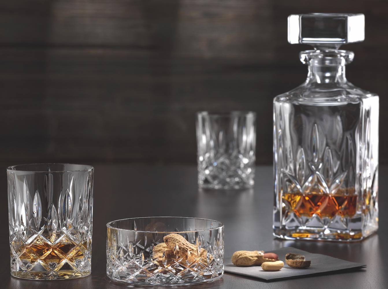 nachtmann noblesse whisky carafe 75 cl with 2 tumbler drink glassse crema. Black Bedroom Furniture Sets. Home Design Ideas